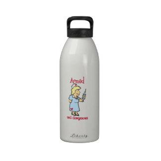 Armado y peligroso botella de agua