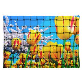 Armadura amarilla del tulipán mantel individual