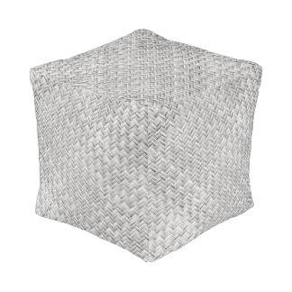 Armadura de cesta diagonal de los gris plateados pouf cuadrado