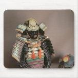 Armadura del samurai, período de Muromachi c.1384 Tapetes De Ratones