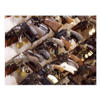 Armas confiscados en las jefaturas de FBI Tarjeta Postal