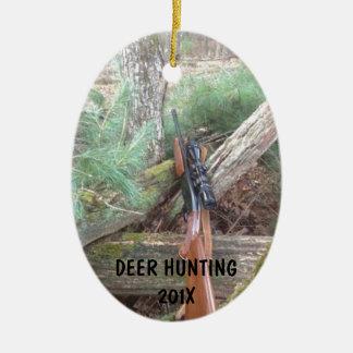 Armas de fuego de la caza de los ciervos adornos