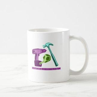 Armas de la construcción total taza de café