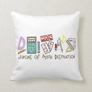 Armas de la destrucción de la matemáticas cojín decorativo