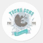 Armas jovenes pegatinas redondas