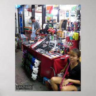 Armas para la venta. Calle que camina, Pattaya Póster