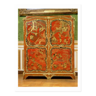Armoire with four Chinoiserie red lacquer panels e Postcard