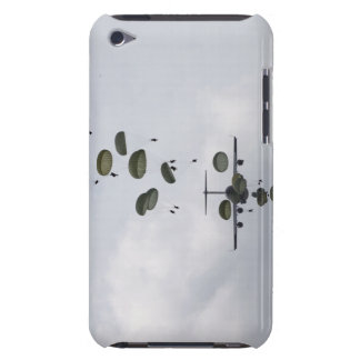 Army Soldiers jump out of a C-17 Globemaster II iPod Case-Mate Case