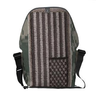 Army Uniform U.S. Flag (UCP Color) Travel Bag Commuter Bag