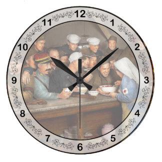 Army - War buddies 1918 Large Clock
