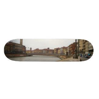 Arno, Pisa, Italia Skateboard Deck