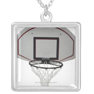 Aro de baloncesto con el tablero trasero colgante cuadrado