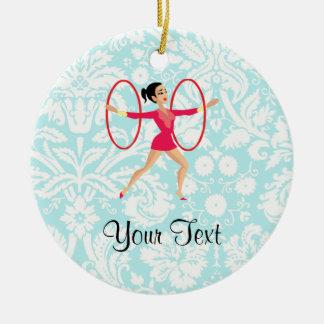 Aros de la gimnasia rítmica adorno navideño redondo de cerámica