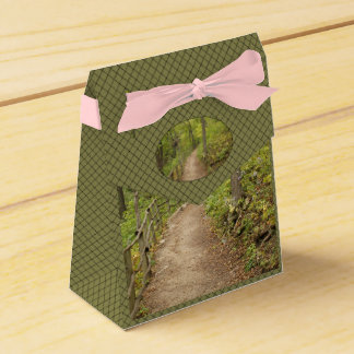 Around the Bend Favor Boxes