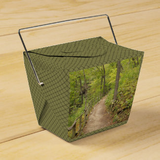 Around the Bend Party Favor Box