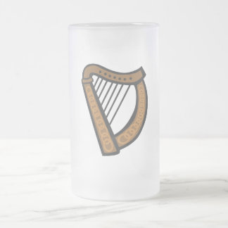 Arpa de madera con diseño grabado taza de cristal