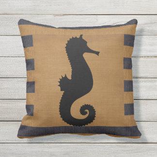 Arpillera azul y rayas del moreno con el Seahorse Cojín Decorativo