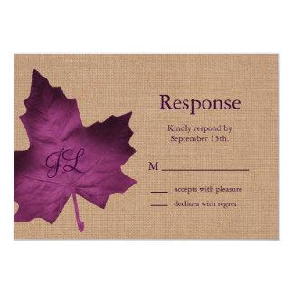"""Arpillera púrpura RSVP con monograma Invitación 3.5"""" X 5"""""""