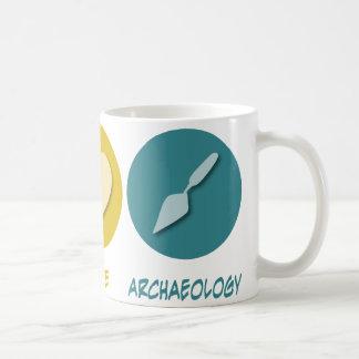 Arqueología del amor de la paz tazas de café