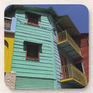 Arquitectura colorida de la vecindad de Boca del L Posavaso