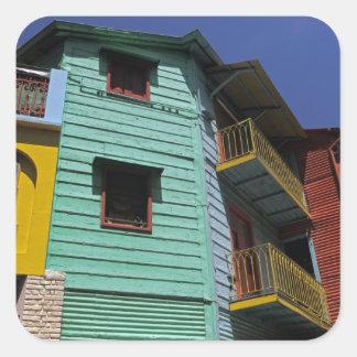 Arquitectura colorida de la vecindad de Boca del Colcomanias Cuadradas