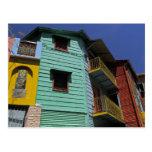 Arquitectura colorida de la vecindad de Boca del Postal