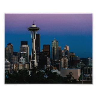 Arquitectura de Seattle debajo del cielo púrpura Cojinete