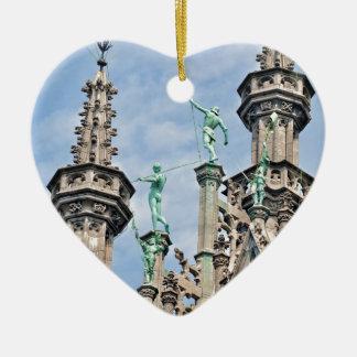arquitectura en lugar magnífico en Bruselas, Adorno Navideño De Cerámica En Forma De Corazón