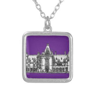 Arquitectura gótica en púrpura colgantes