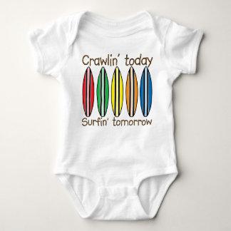 Arrastre hoy practicando surf mañana mameluco de bebé