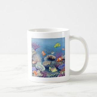 Arrecife de coral taza básica blanca