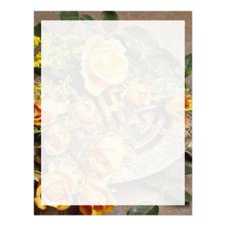 Arreglo floral atractivo plantilla de membrete