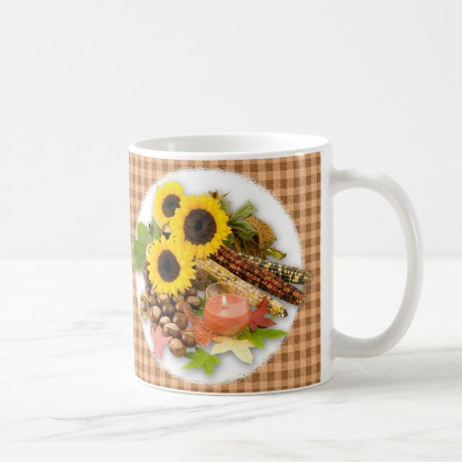 Arreglo floral del otoño tazas de café