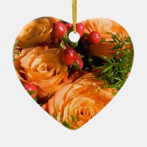 Arreglo floral festivo adorno navideño de cerámica en forma de corazón