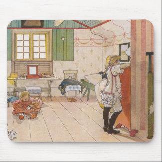 Arriba dormitorio del ático con la hermana del beb tapete de ratones