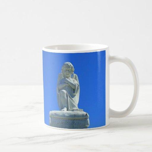 arrodillar-ángel taza de café