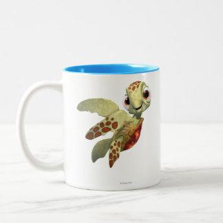 Arroje a chorros 2 taza de café de dos colores