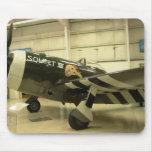 Arroje a chorros los aviones de WWII Alfombrillas De Ratón