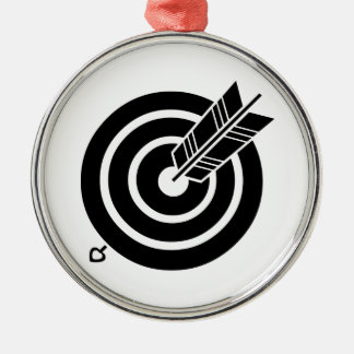 Arrow hit a round target metal ornament