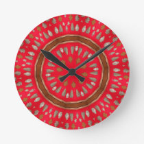 arrowhead pattern round clock