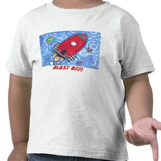Arruine apagado la camiseta del niño