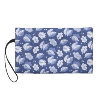 Art Deco Blue and White Leaf Pattern Wristlet Purse