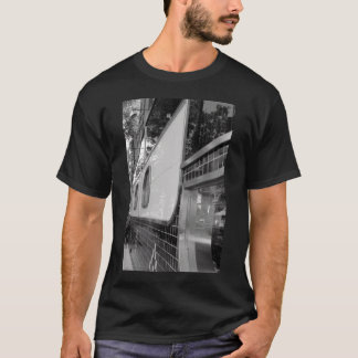 Art Deco Building Exterior Men's T-shirt