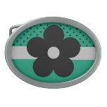 Arte abstracto de la flor negra en verde hebilla de cinturon oval
