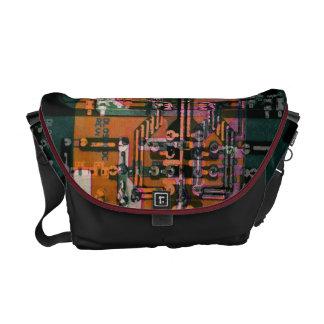 arte abstracto de la placa de circuito eléctrica e bolsa messenger