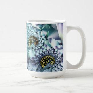 Arte abstracto del coral y de las cáscaras taza