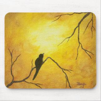 Arte abstracto del pájaro de la sol de oro feliz alfombrilla de raton