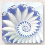 Arte abstracto hermoso de Shell del mar azul y bla Posavasos De Bebida