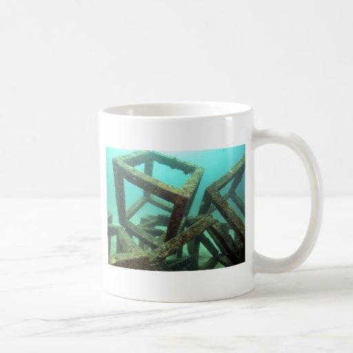 Arte abstracto subacuático de los cubos concretos tazas