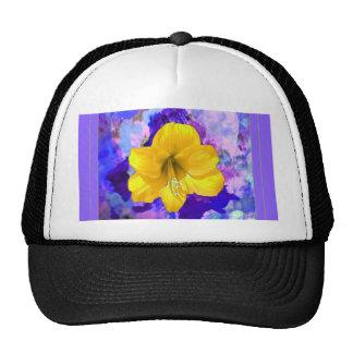 Arte amarillo de la lila de la flor del Amaryllis Gorros Bordados